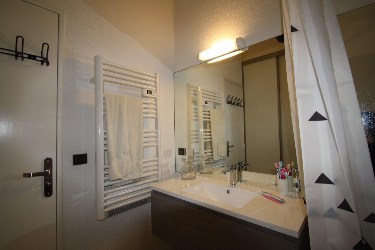 la salle de bain collioure location appartement de vacances 66190