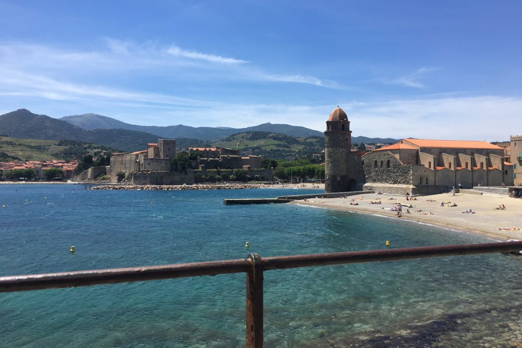 collioure-clocher-plage-mer-phare
