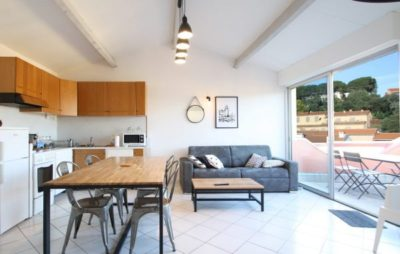 salon-séjour-appartement-location-collioure